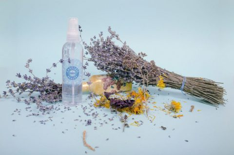 apa-de-lavanda-2-CarelessBeauty