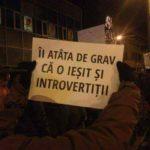 Colecție de pancarte de la proteste