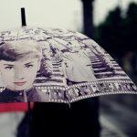 7 sfaturi despre cum să folosești umbrela elegant