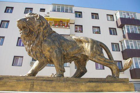 statuie lei navodari casa jurnalistului