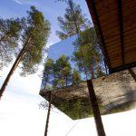 Hotelul din Laponia suedeză care te cazează în copac