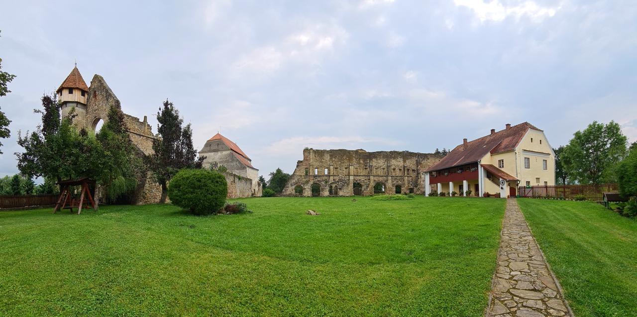 Abația Cisterciană din Cârța